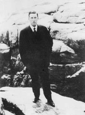 Photo of H. P. Lovecraft, 1922